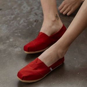 Toms | Red Canvas Women's Classics